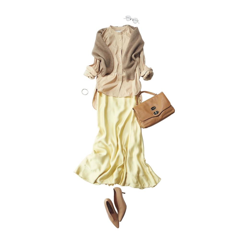 バンドカラーシャツ×サテンスカートのワントーンコーデ