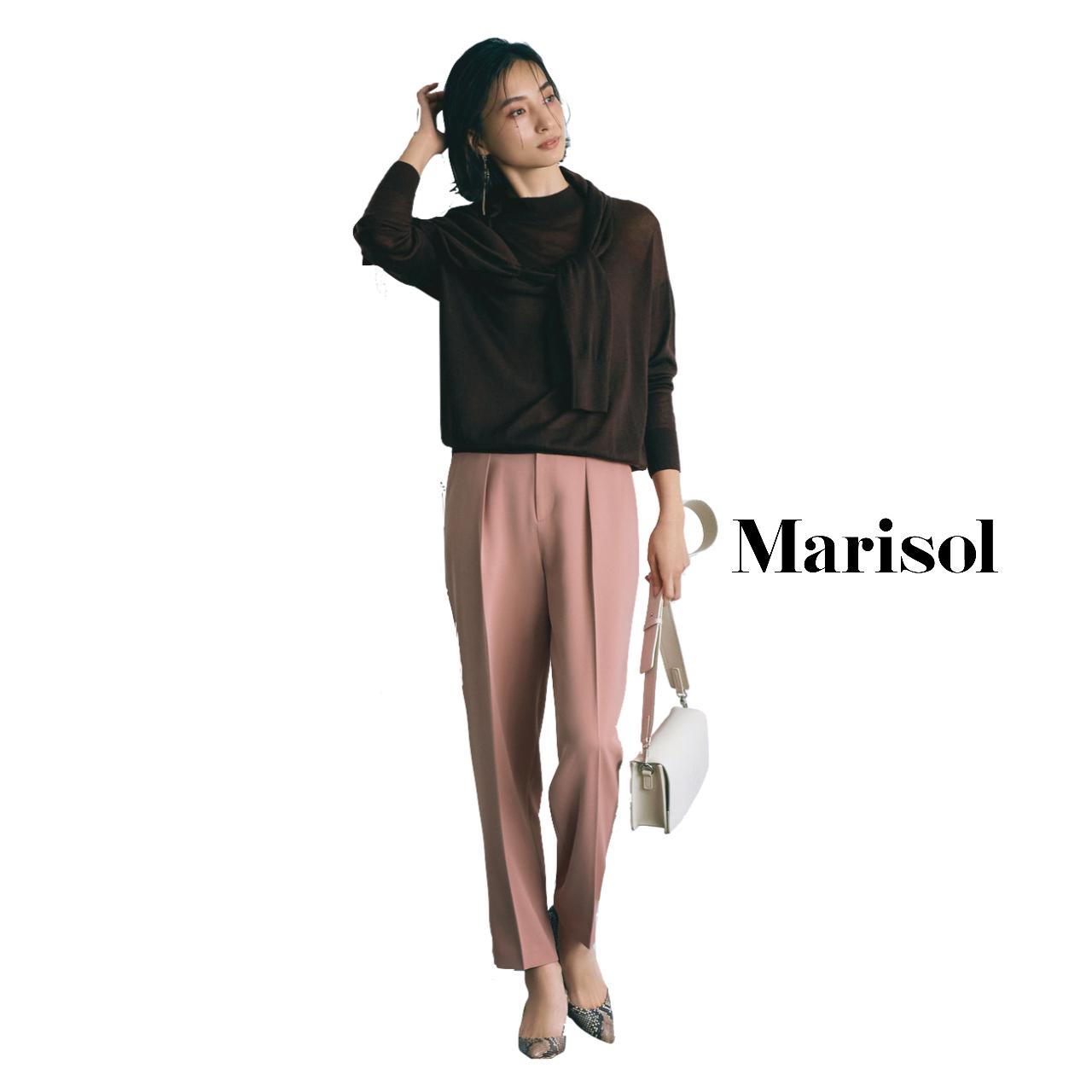 40代ファッション ブラウンアンサンブルニット×ピンクパンツコーデ