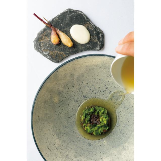 イノベーティブレストランの豚足イラブー