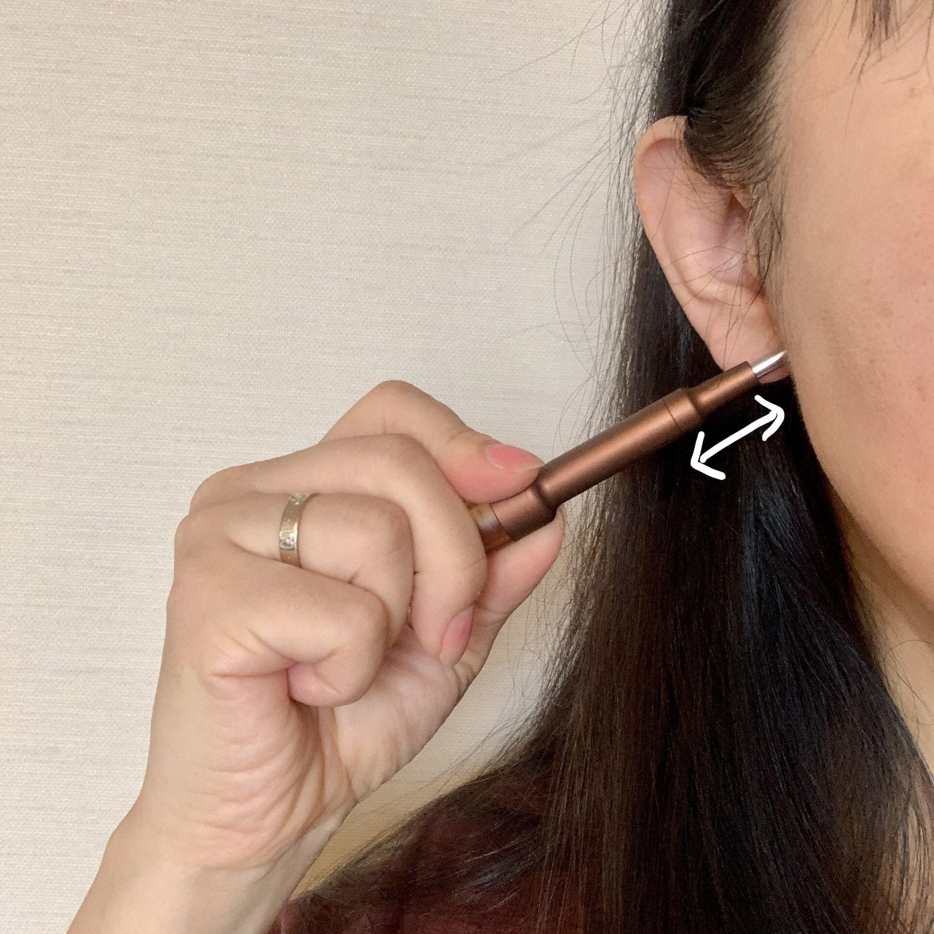 耳の前後のリンパ節も押す