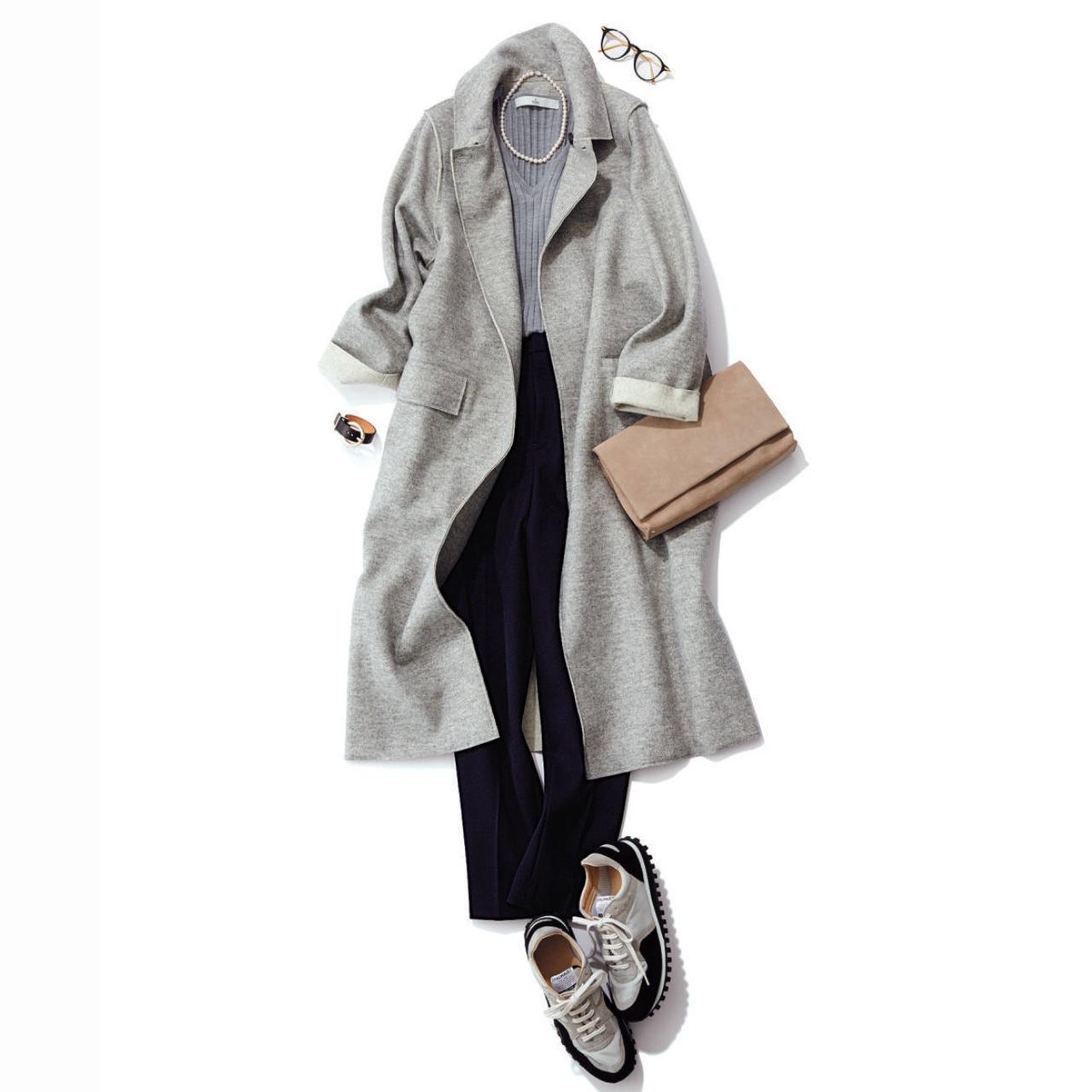 コート×黒パンツのファッションコーデ