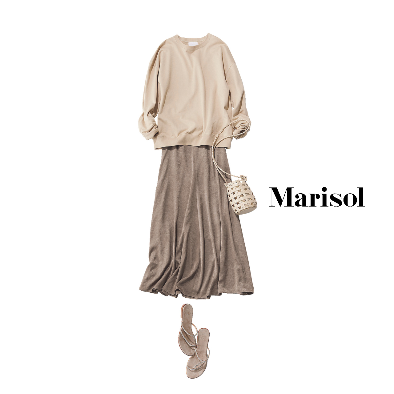 40代ファッション  スウェット×とろみサテンフレアスカート×サンダルコーデ