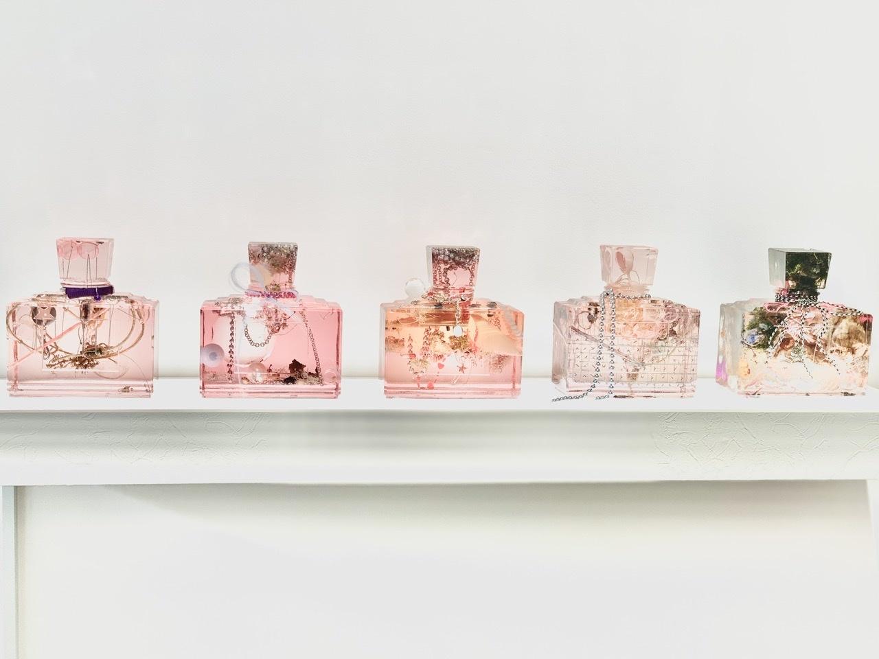濃ベージュシャツで 華組の豊田真由美ちゃんとMiss Dior Exhibitionへ。_1_3-2