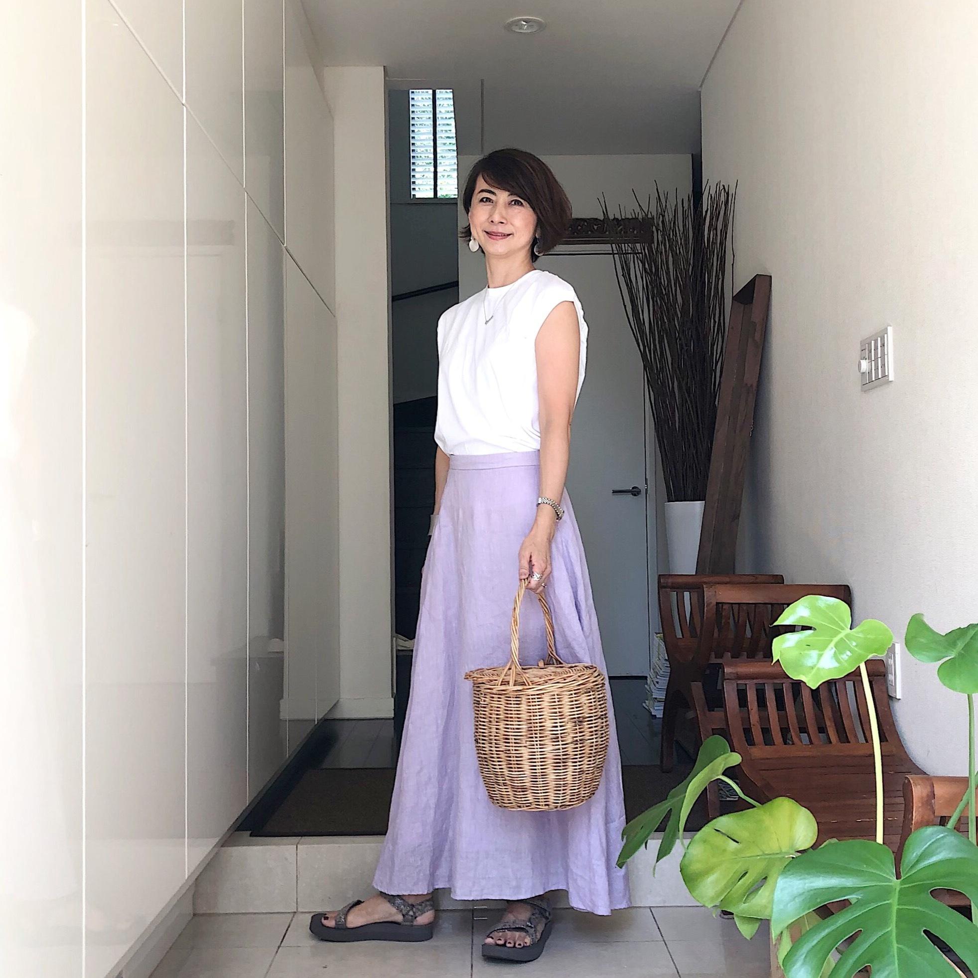 ラベンダーカラーのリネンマキシスカート
