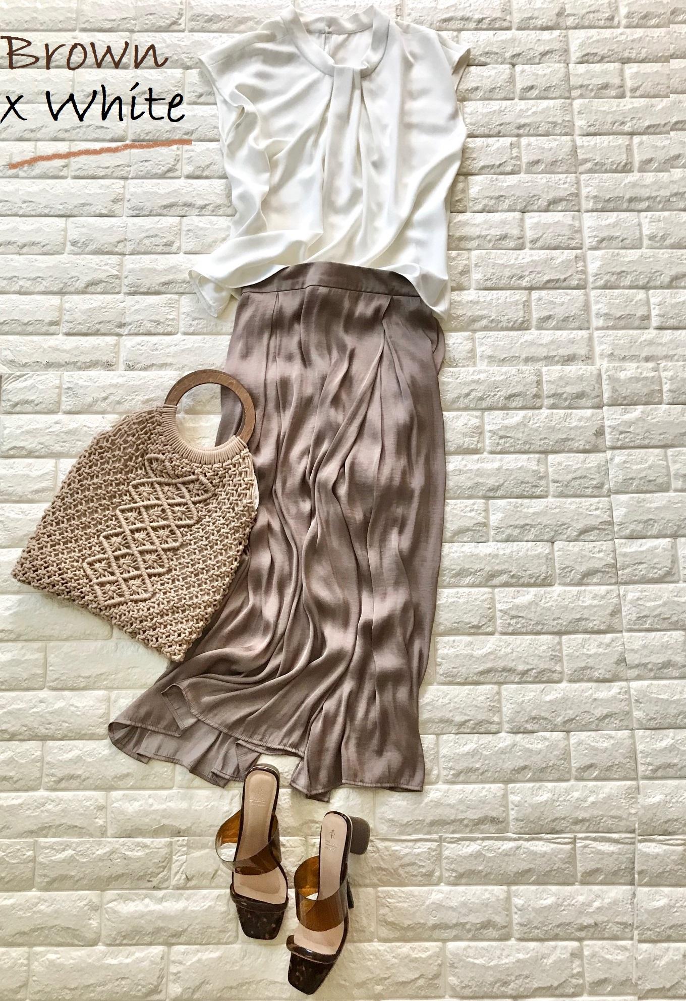 ロペピクニックのブラウンスカーチョとホワイトを合わせたコーデ
