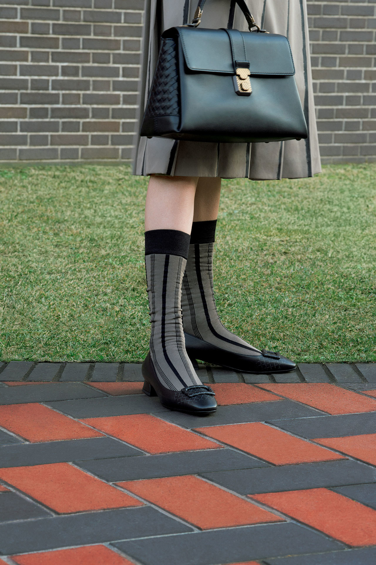 Jマダムの足元は、いつだって「ヒールがなくても素敵な靴」 五選_1_1-3
