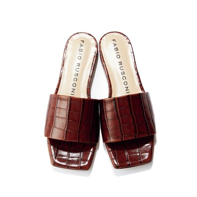 靴(H0.9)¥27,500/ハイブリッジ インターナショナル(ファビオ ルスコーニ)