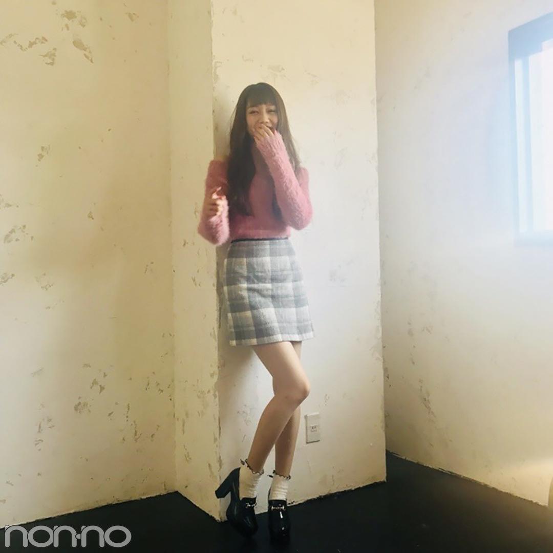 松川菜々花はチェックミニ×ローファーで甘めのグッドガール【モデルの私服】_1_2-3