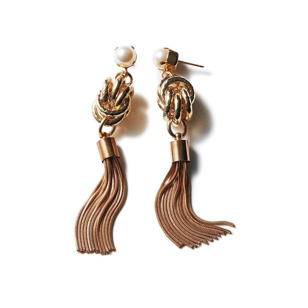 フェミニン派のためのファッション小物はアントン ヒュニスのパール付きピアス