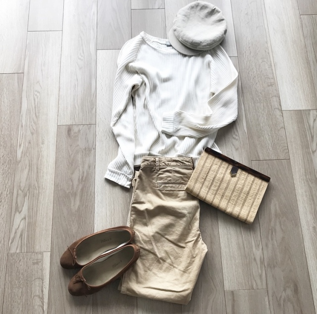 少ない服で毎日のスタイルを楽しむ【40代 私のクローゼット】_1_5
