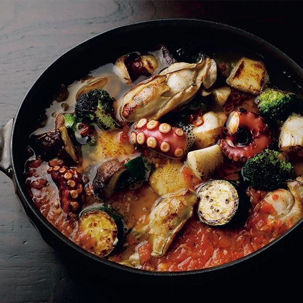 """魚介のダシにトマトを加えてコクをプラス! """"海鮮鍋""""【絶品鍋レシピ28days】_1_1"""