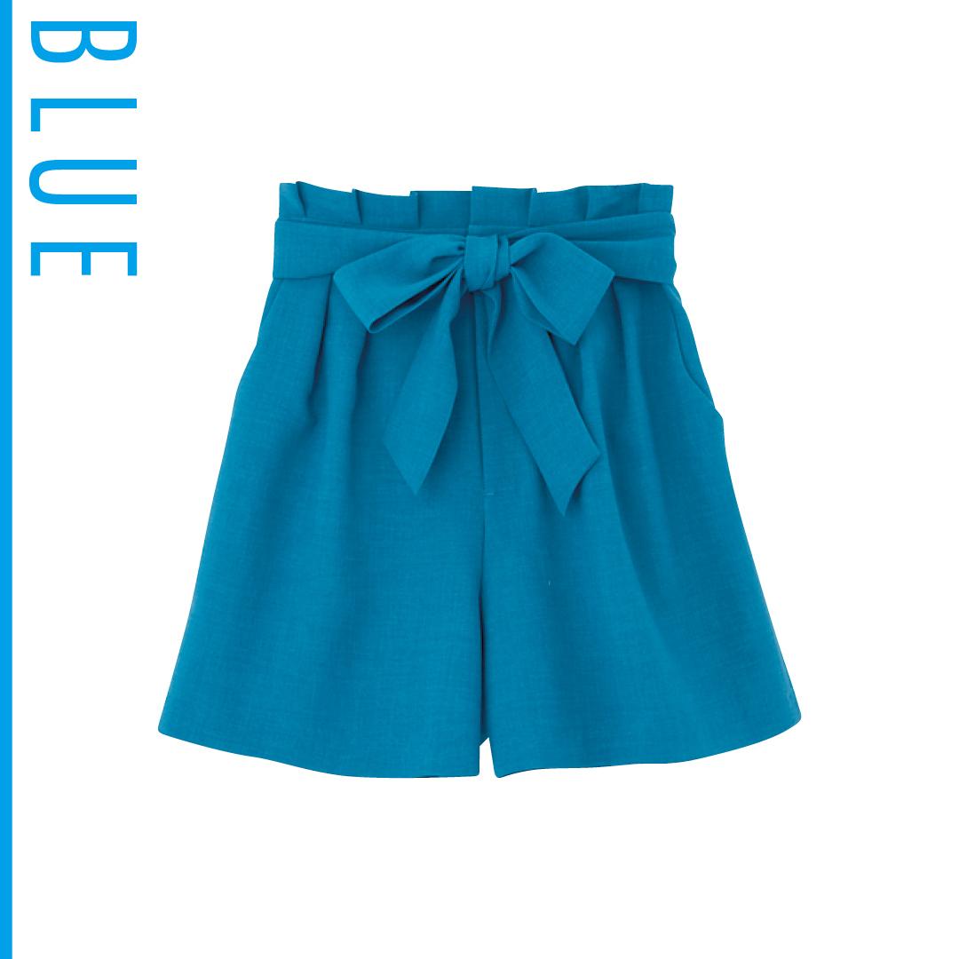 夏のブルーは新木優子がお手本! 肌の透明感が際立つ推し色コーデを披露_1_3-3