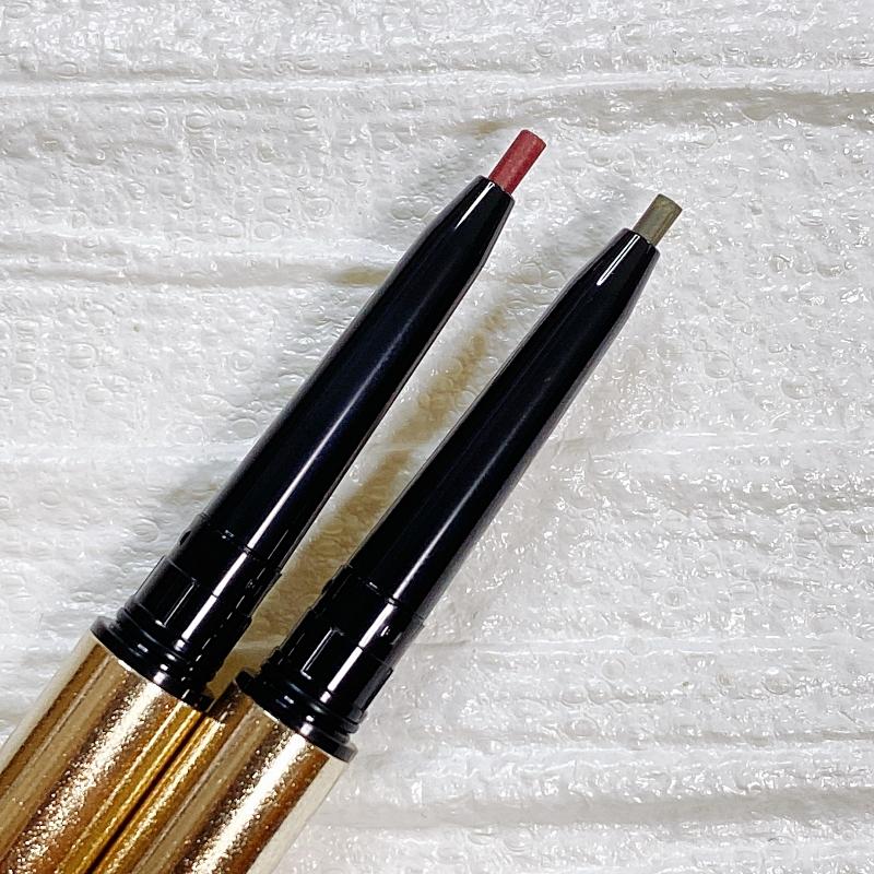 アイシャドウパレットをゲットする前に手に入れておきたいのがこちらのケサランパサランの限定色のペンシルアイライナー。GN02 カーキブラウン(右)とWN02 バーガンディは大げさすぎずに目もとにトレンドと華やぎそして色っぽさを呼ぶ絶妙カラーです