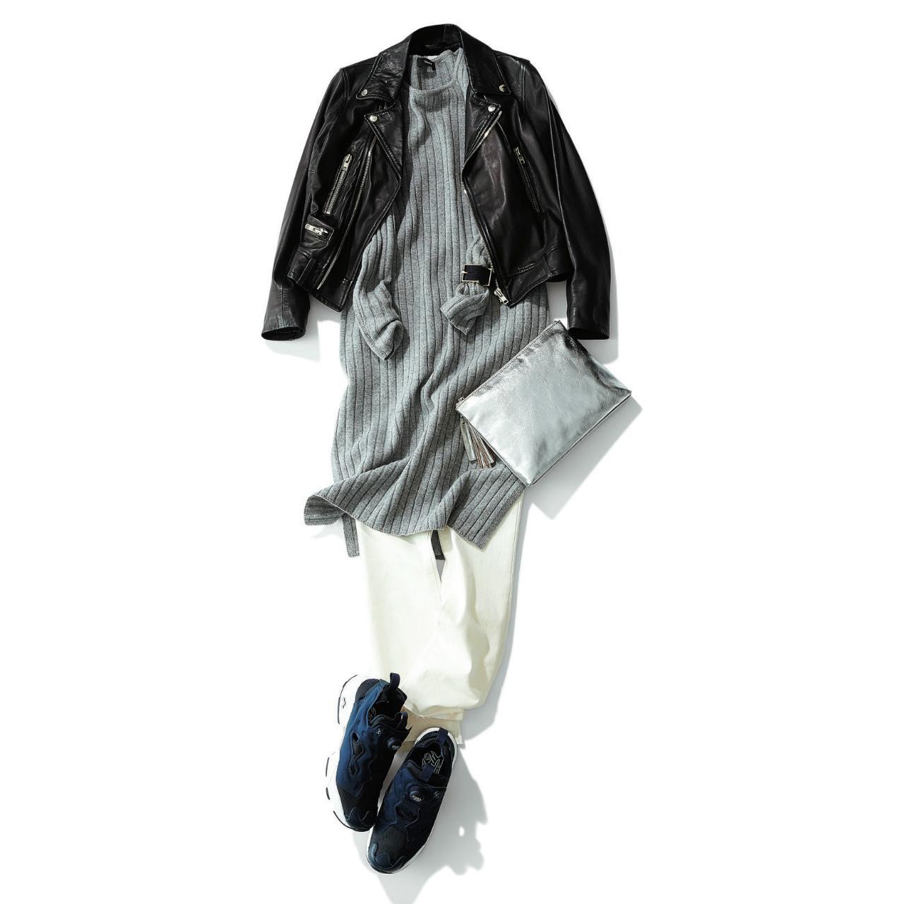 ネイビースニーカー×ライダースジャケット&白デニムパンツのファッションコーデ