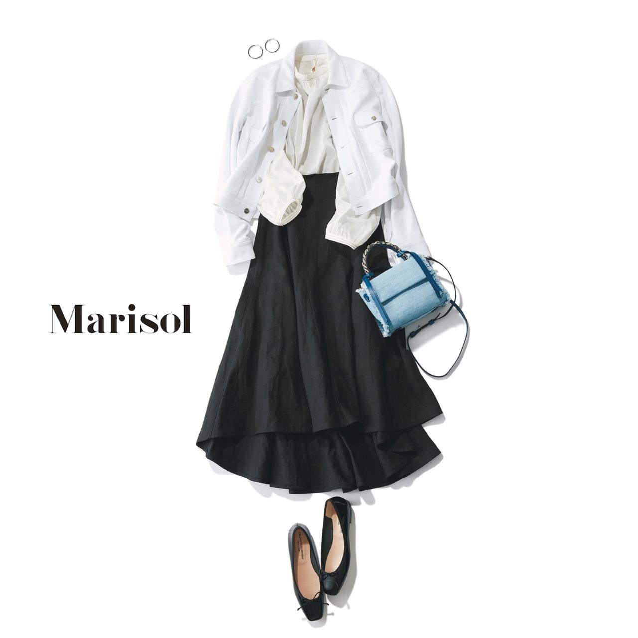 白ブラウス×黒スカートでモノトーンコーデ