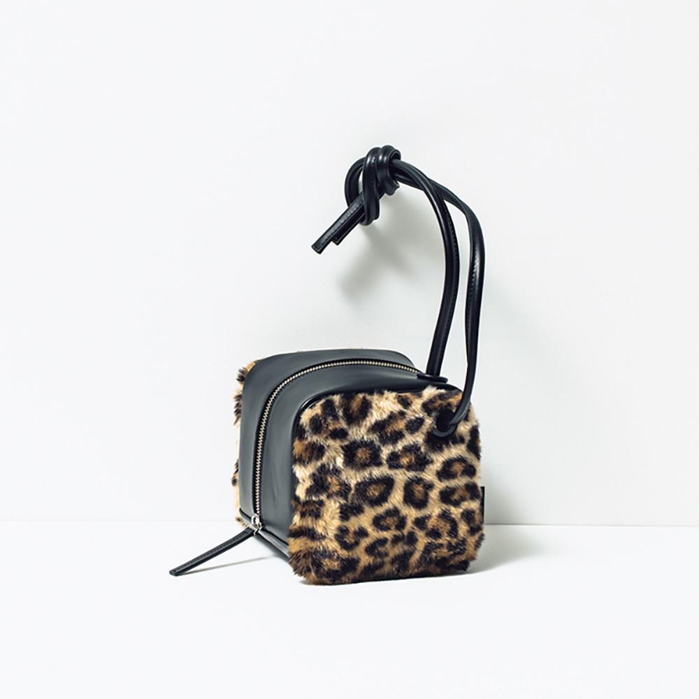 ファッション 10万円以下の秋の新作バッグ④はバーニーズニューヨーク別注モデルのバッグ