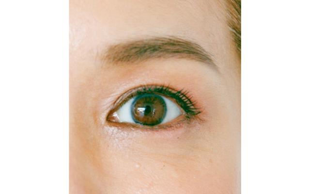 色っぽく見せるなら目じりを強調させる
