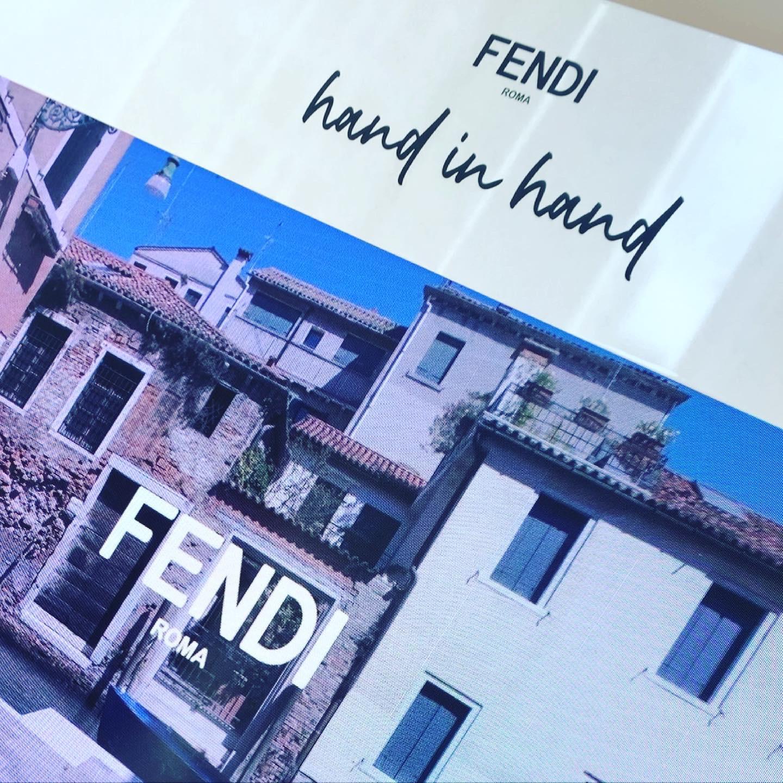 FENDI hand in hand_1_2