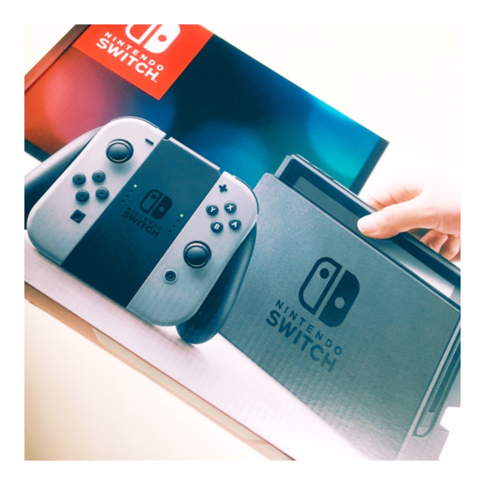 ゲーマー女子♡大人気で入手困難!?『 Nintendo switch 』_1_1