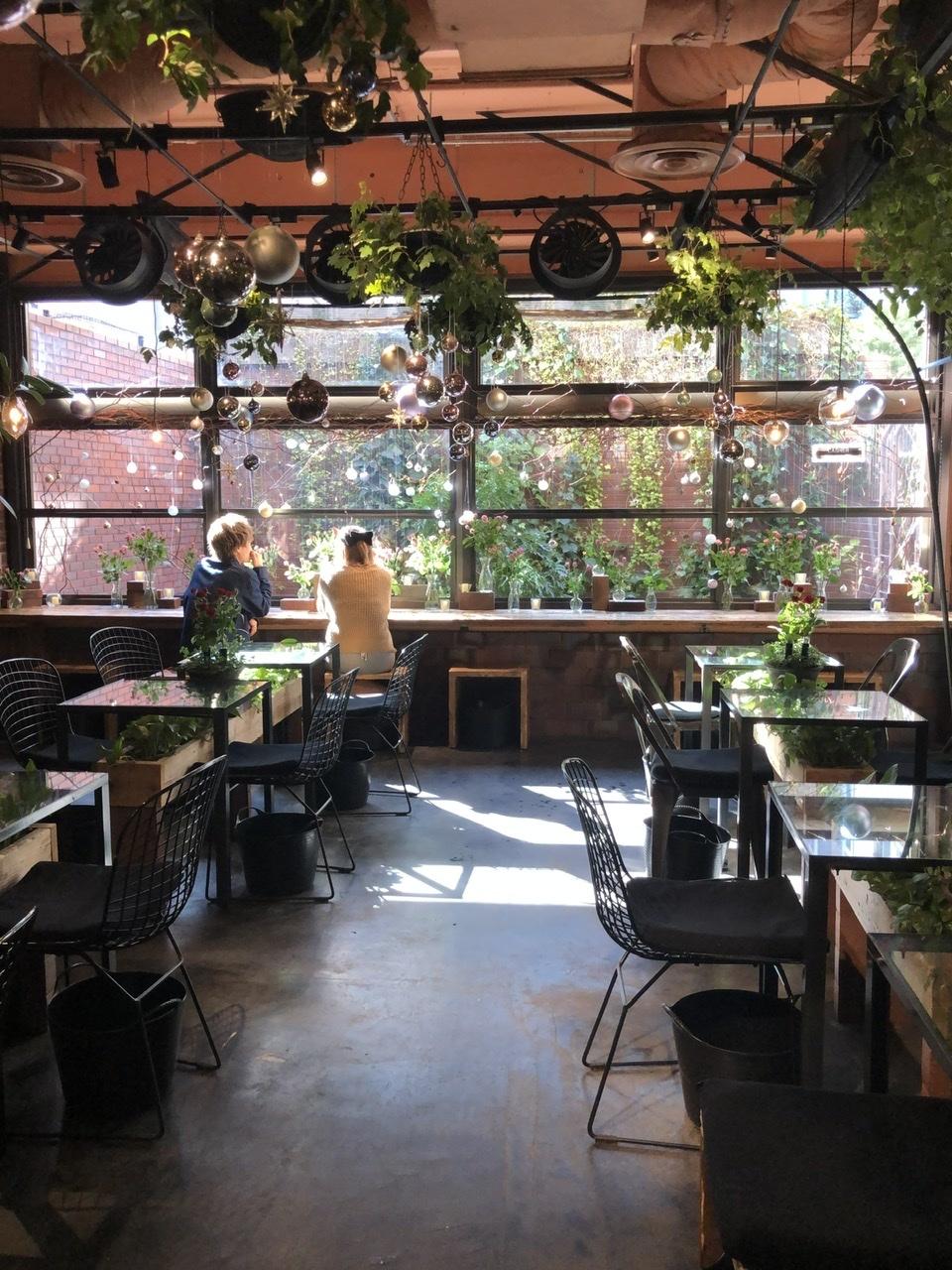 花と緑に囲まれた心豊かになる空間『青山 TEA HOUSE』_1_1