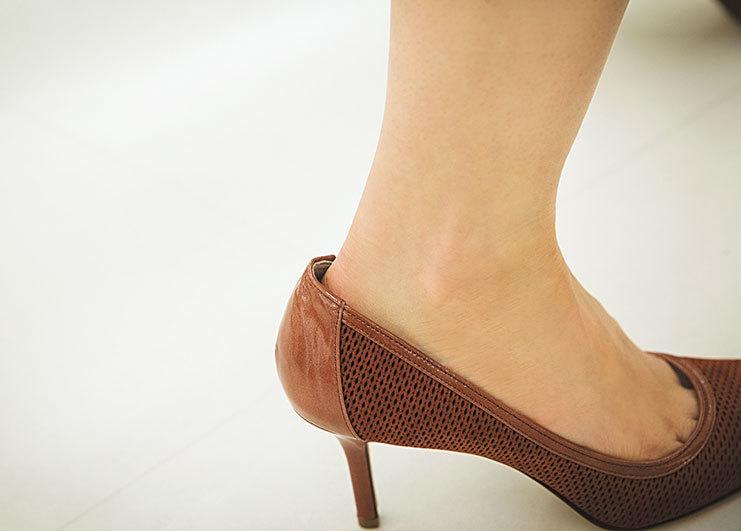 もう、どう選んでいいか分からない!「ヒール靴」選びの正解【40代おしゃれの小悩み】_1_4-5
