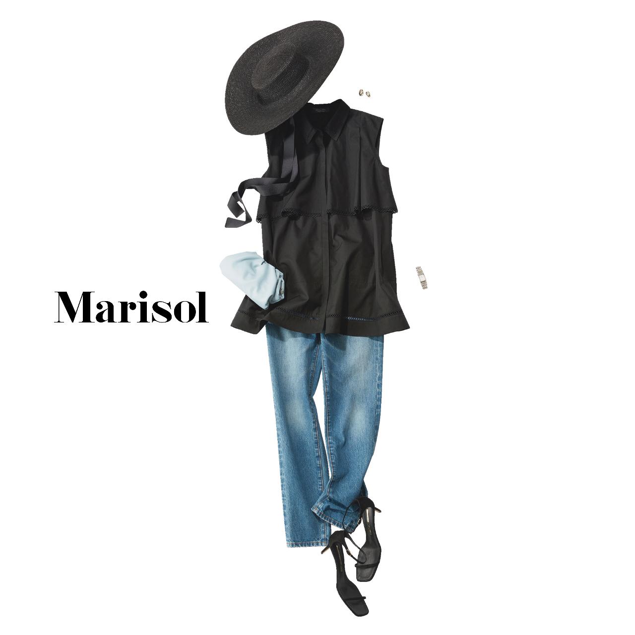 40代ファッション 黒ブラウス×ブルーデニムパンツ コーデ