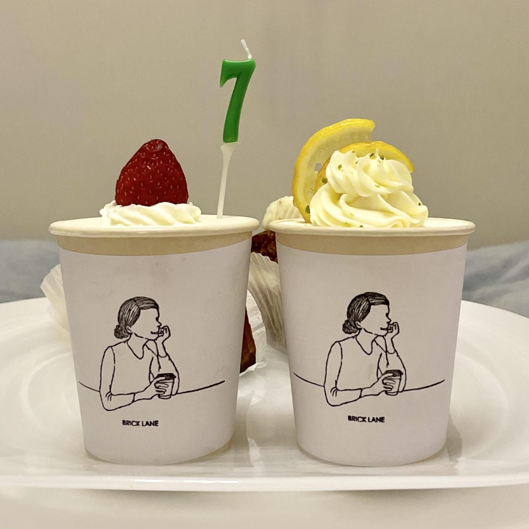 イチゴとレモンのカップケーキ