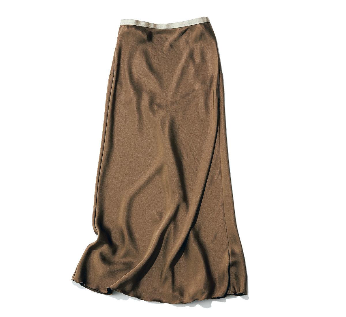 きれいめ好きの買うべきツヤ素材のナロースカート_4