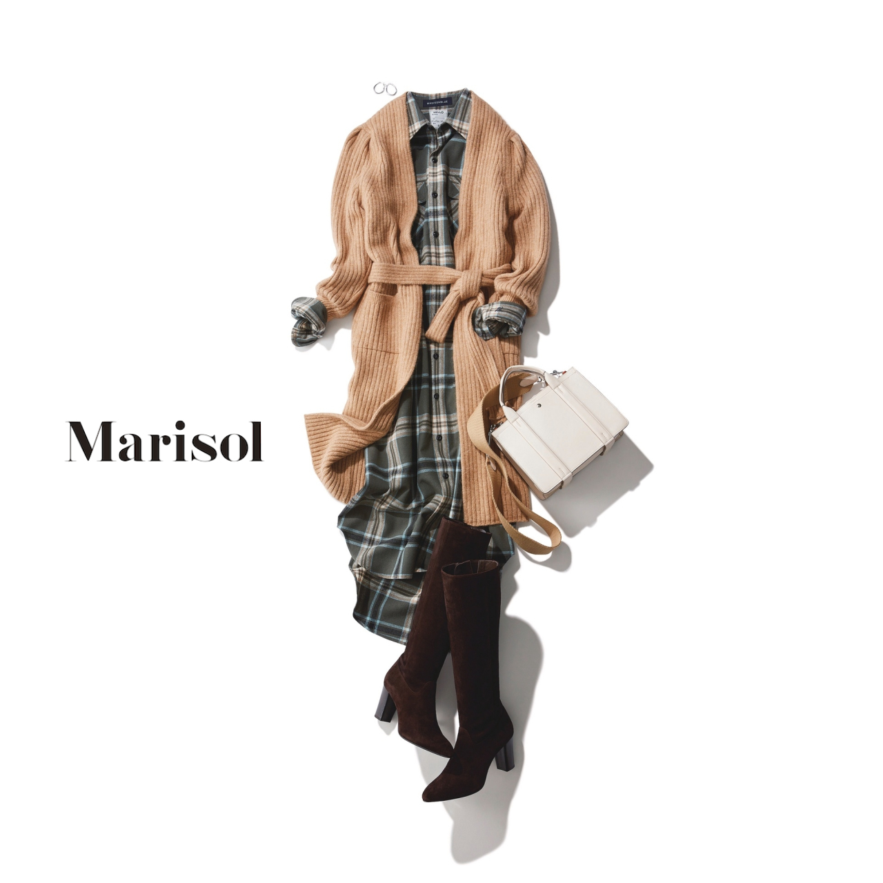 40代ファッション リブニットガウン×シャツワンピースコーデ