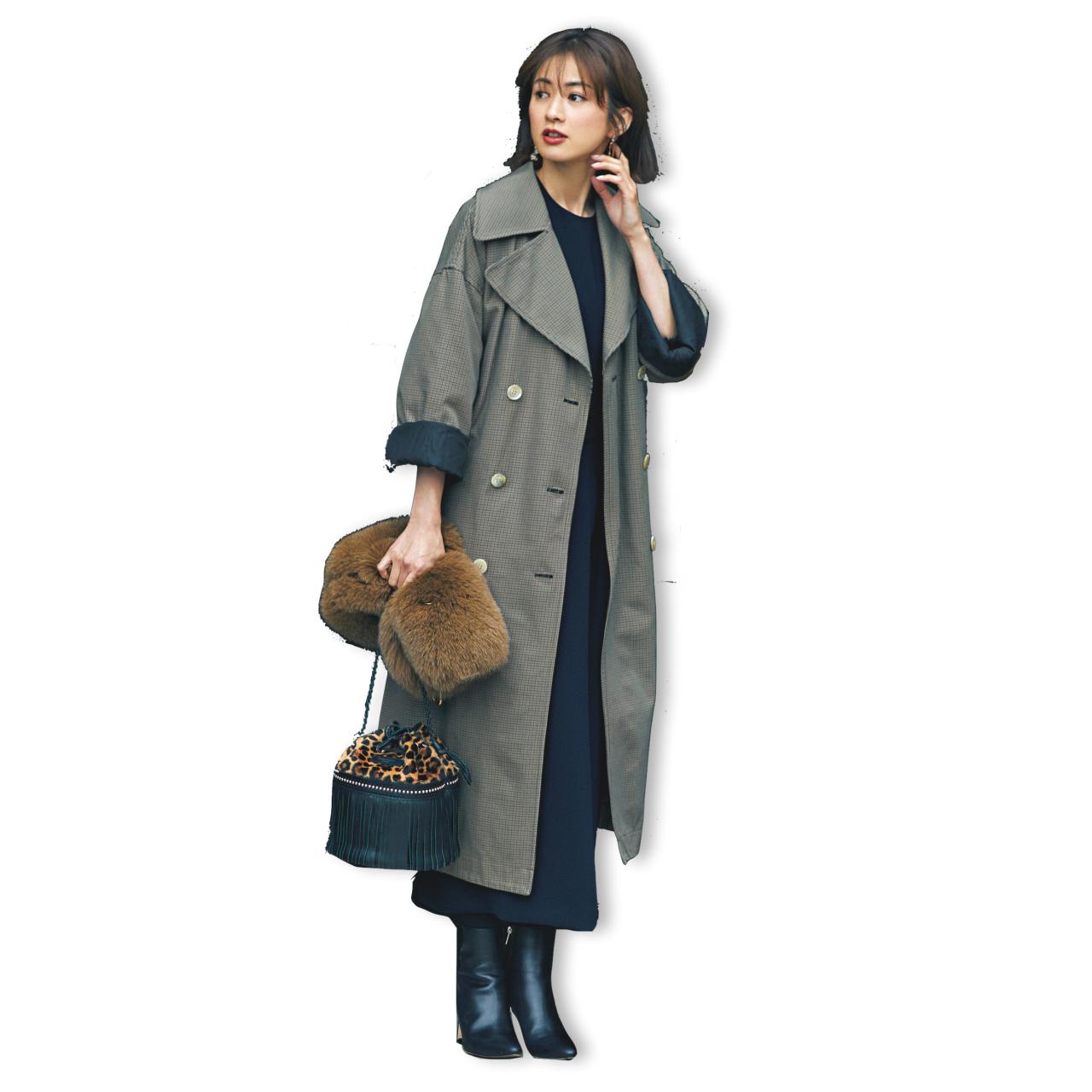 ネイビーワンピース×トレンチコートのファッションコーデ