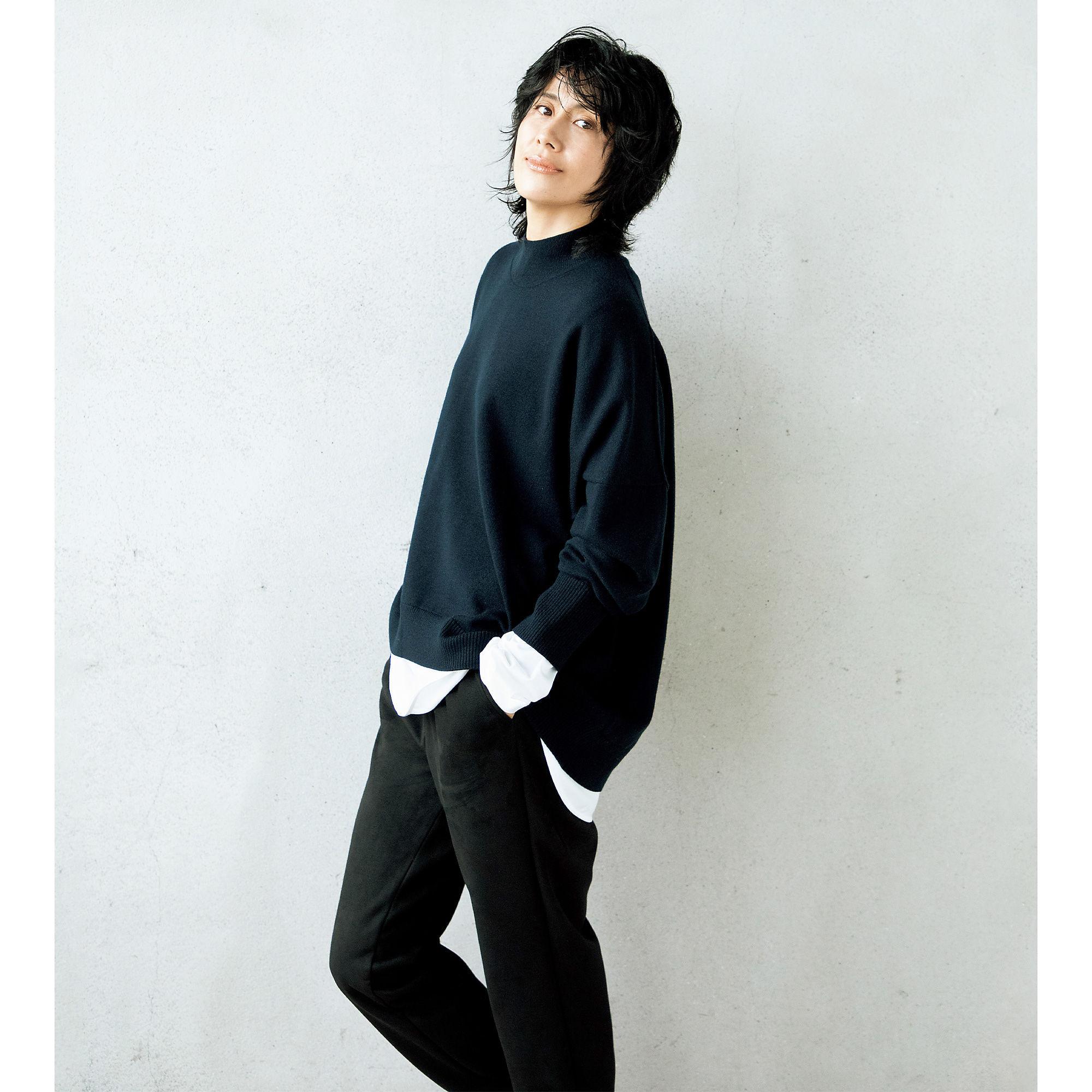 地曳いく子×CINOH ハイネックニット CINOH センターシーム ロング T シャツ
