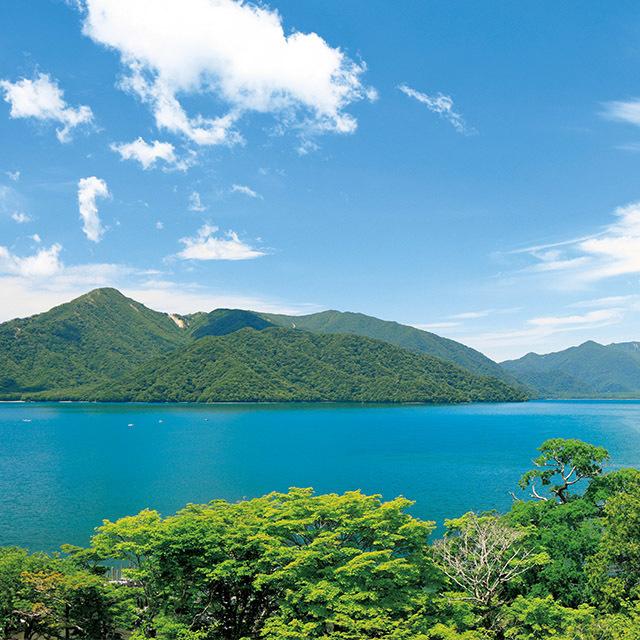 ホテルがあるのは、いろは坂を上った中禅寺湖畔