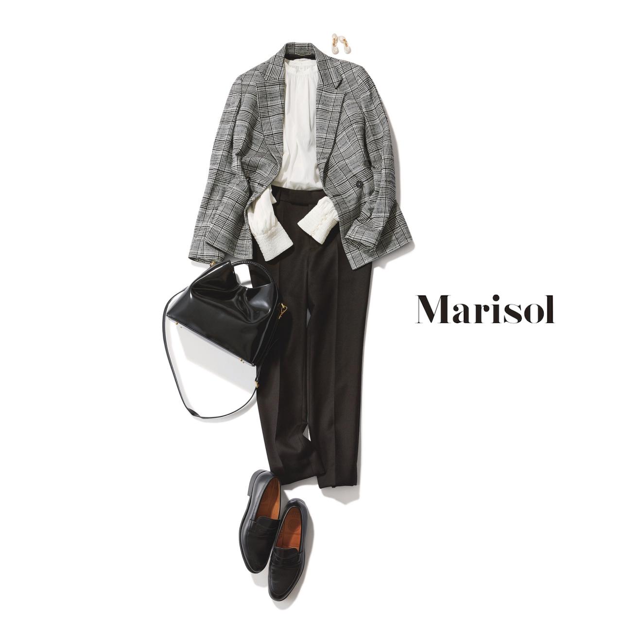 40代ファッション ジャケット×白ブラウス×黒パンツコーデ