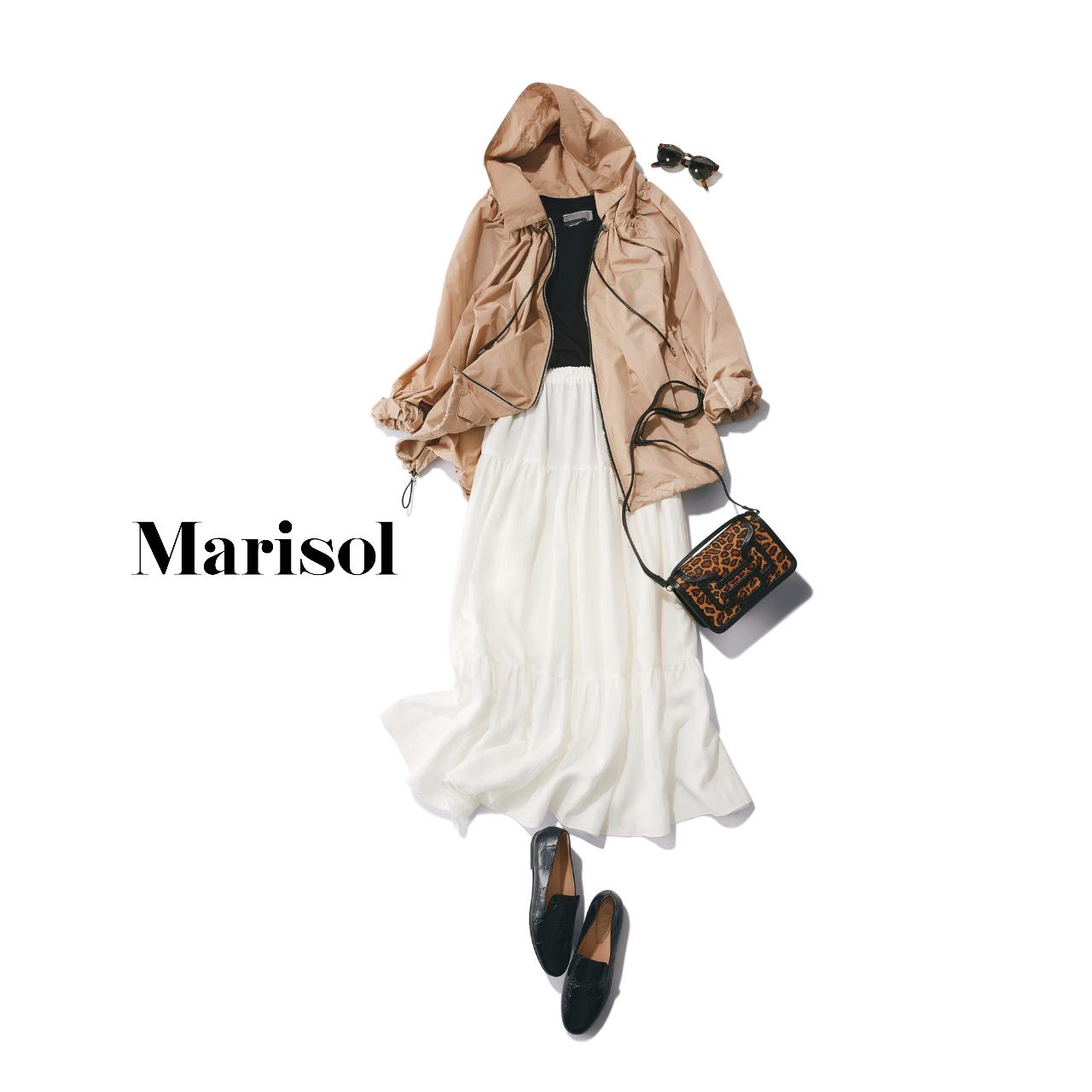 40代ファッション  ベージュブルゾン×白ティアードスカートコーデ