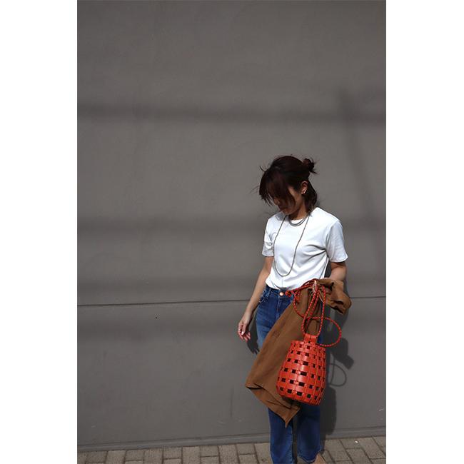 松村純子 白Tシャツ×デニムパンツ