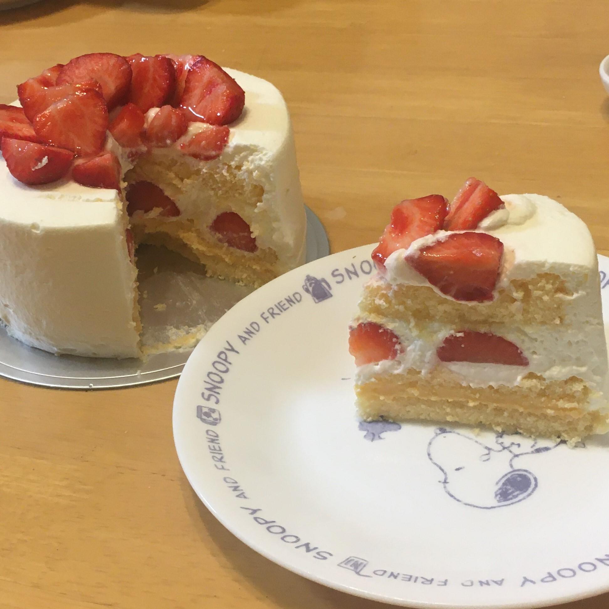 ショートケーキの切り口はこんな感じ