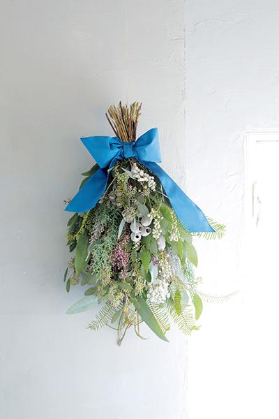 格式と優美さを添える花を 並木容子さんから学ぶクリスマスとお正月の花あしらい_1_1-3