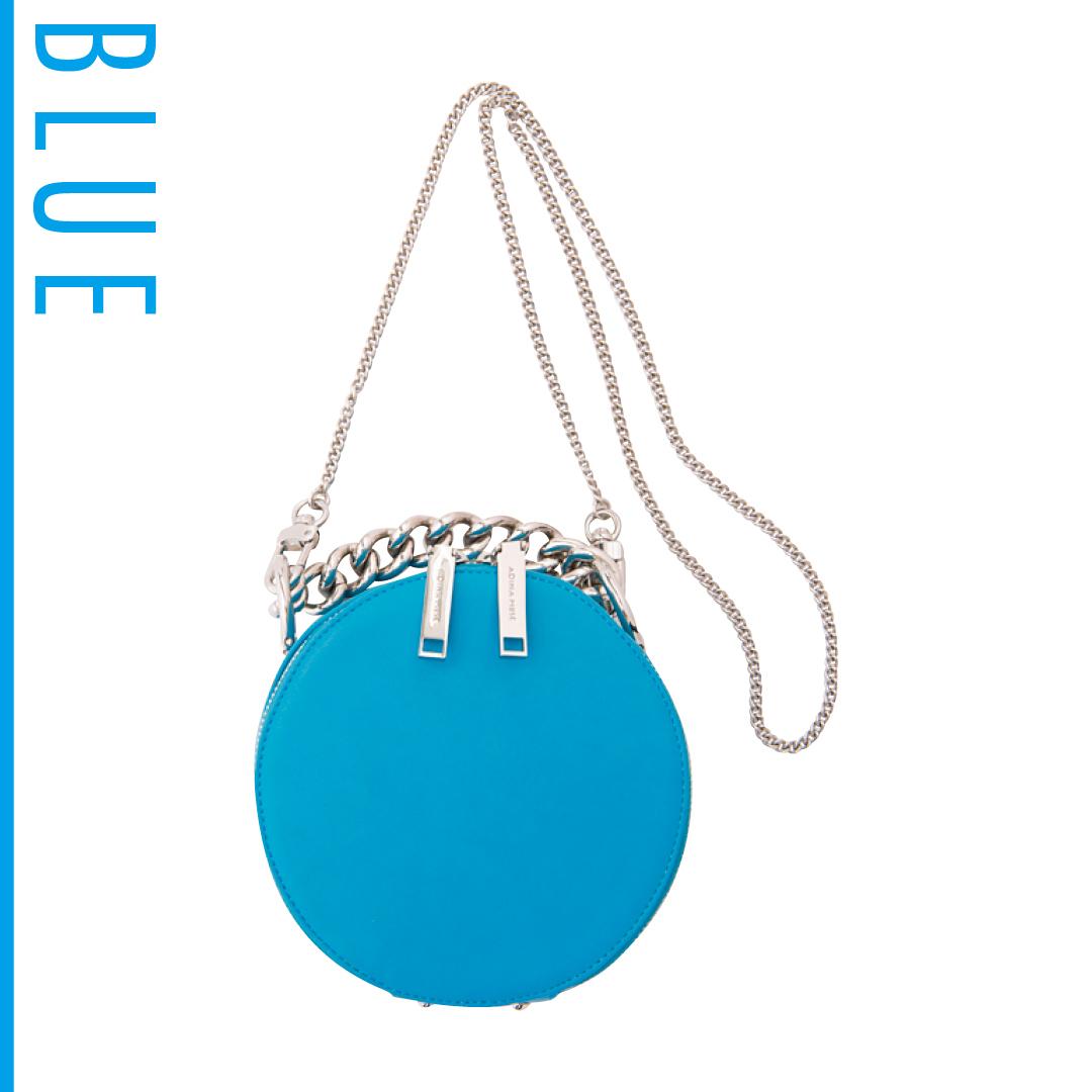 夏のブルーは新木優子がお手本! 肌の透明感が際立つ推し色コーデを披露_1_3-1