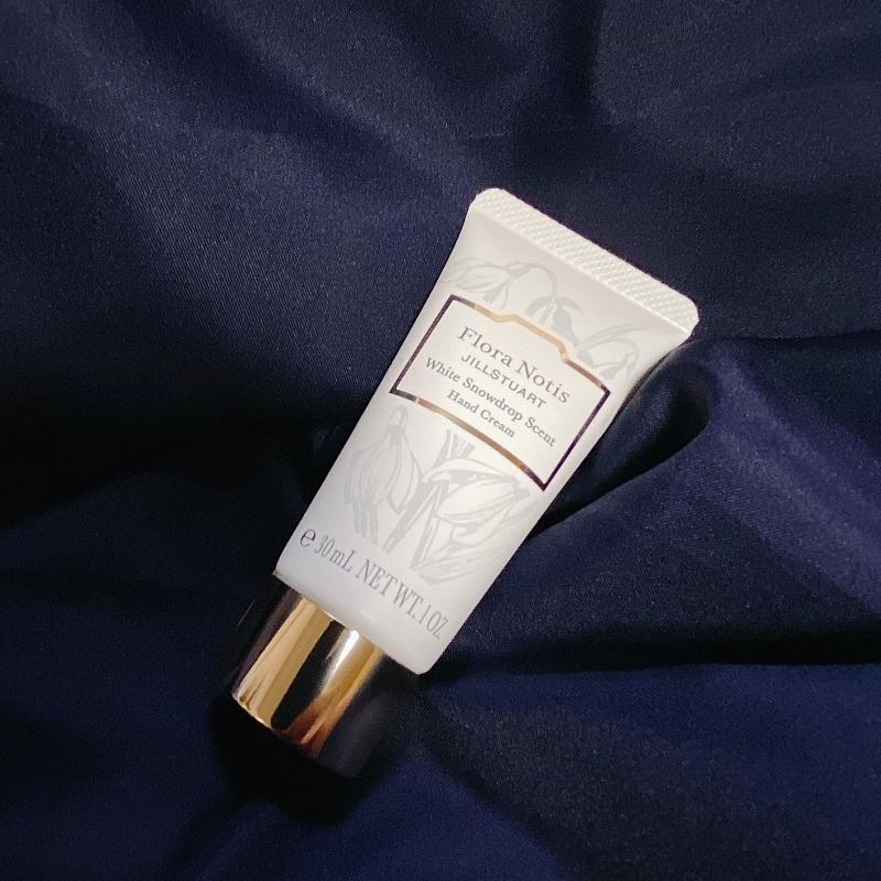 フローラノーティス ジルスチュアートのホリデーコレクションのハンドクリーム