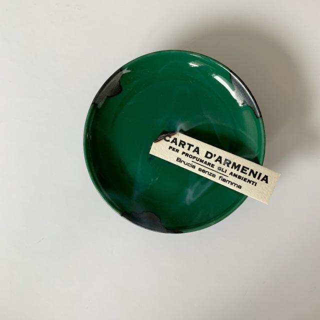 お気に入りの器で焚く紙のお香。Santa Maria Novellaのアルメニアペーパー_1_3