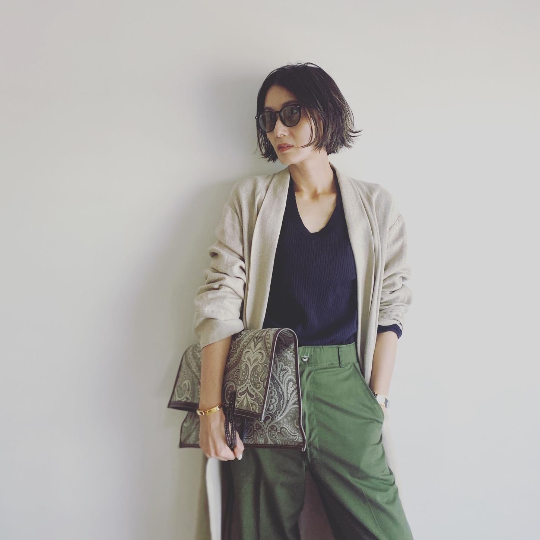 レイバンのサングラスコーデ 坪田あさみさん