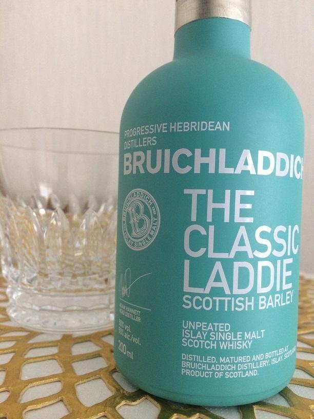 モダンでキュートなボトルデザインの「ブルックラディ」ウィスキー