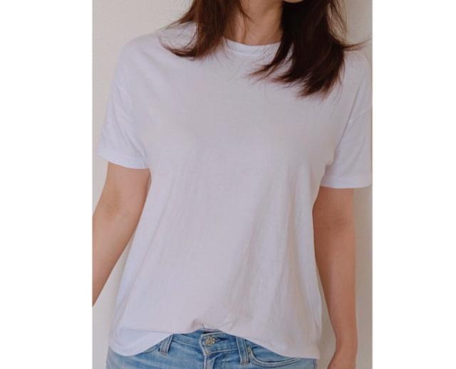 ビッグTシャツといってもやや広めの身幅と肩落ちデザインでリラックスした雰囲気