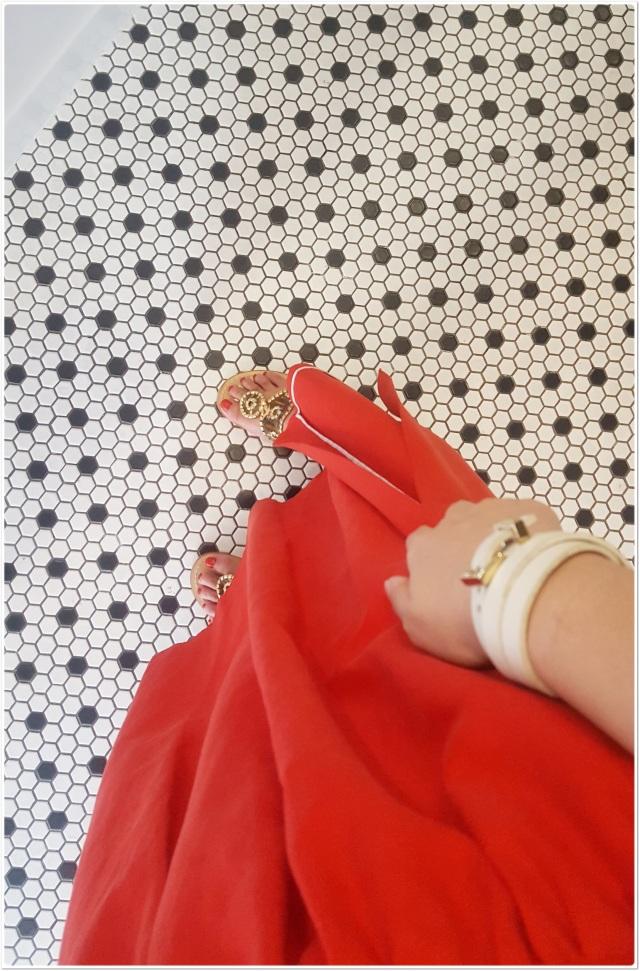 """着るだけで女っぽく・しゃれたムードを演出""""きれい色のフレアスカート""""_1_1"""