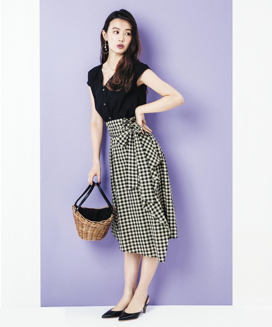 【夏のロングスカートコーデ】泉はるは、黒×ベージュのギンガムコーデでぐっと大人っぽく★