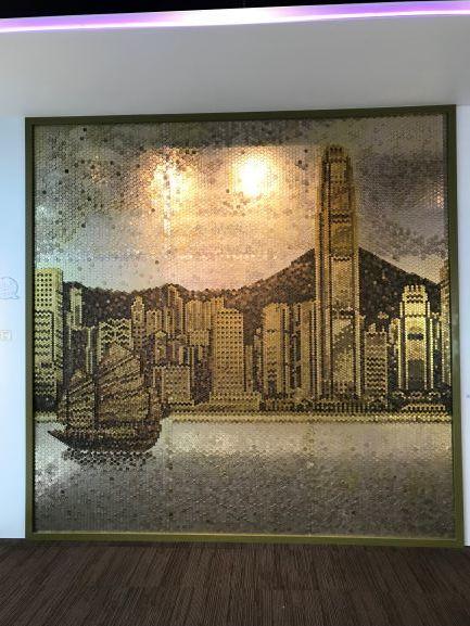 香港ドル貨幣で作られた絵