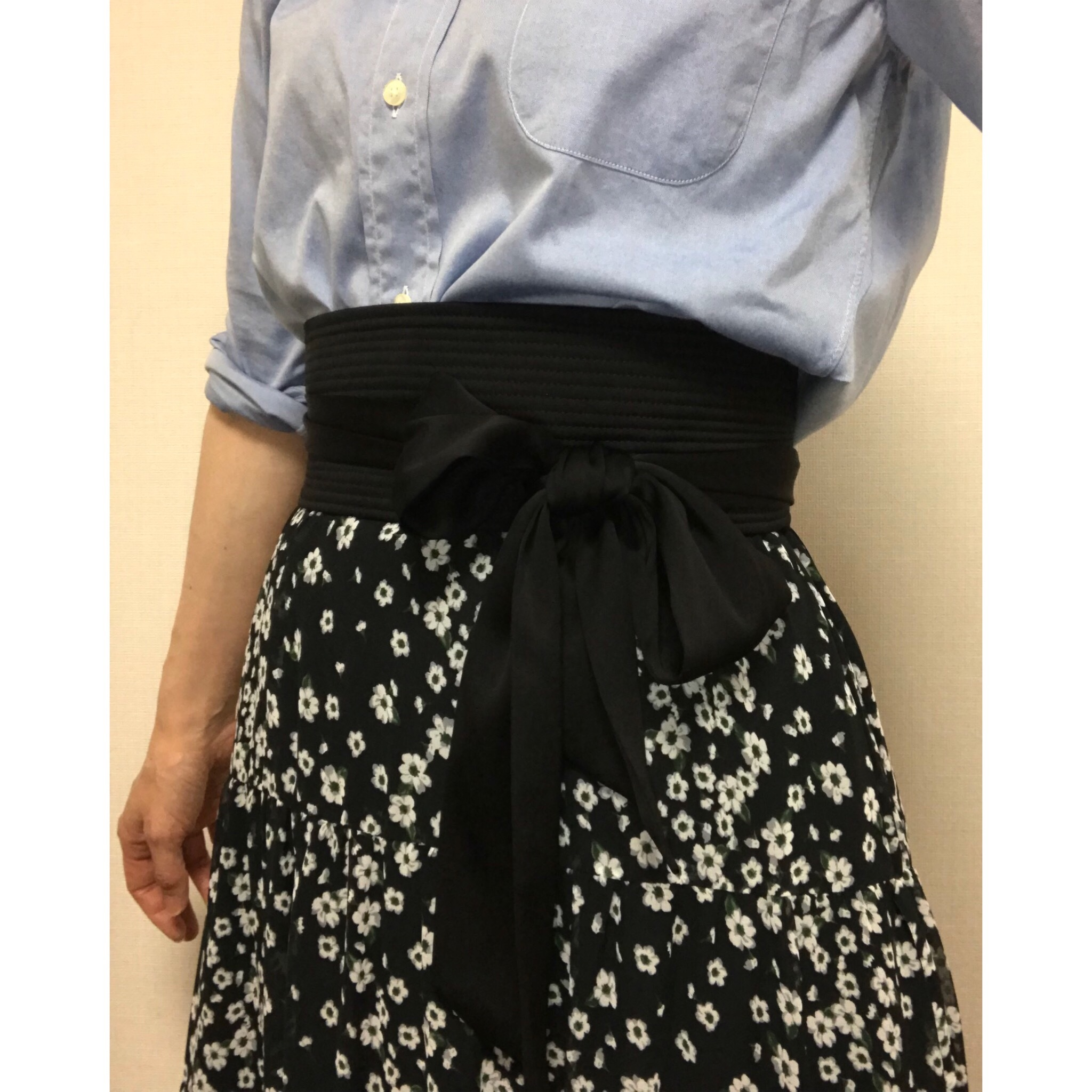 小さな花柄。ロマンティックな気分になれる ♫ SHE tokyoのスカート_1_2-3