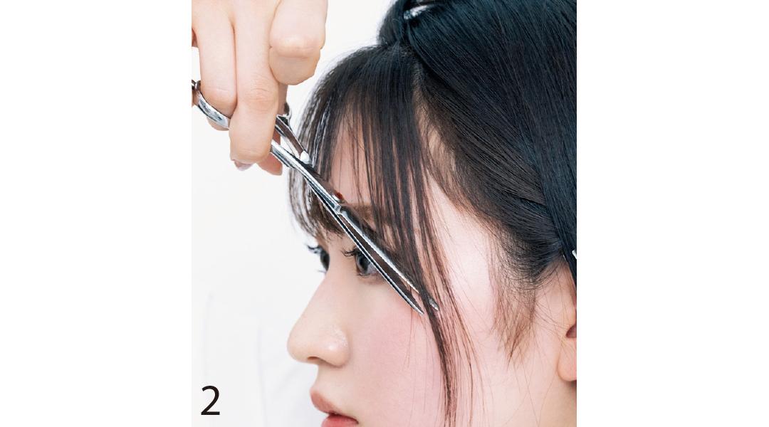 面長さんの前髪セルフカット2