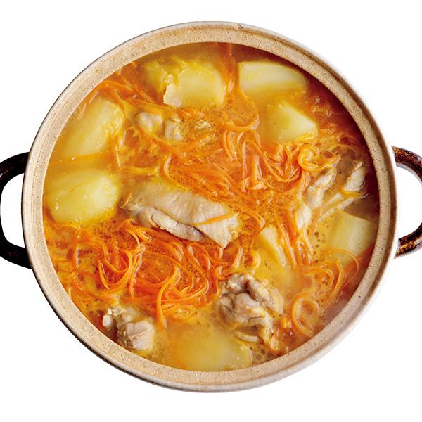 スープまで飲み干したい! 鶏肉とじゃがいも、にんじんの味噌鍋【絶品鍋レシピ28days】_1_1