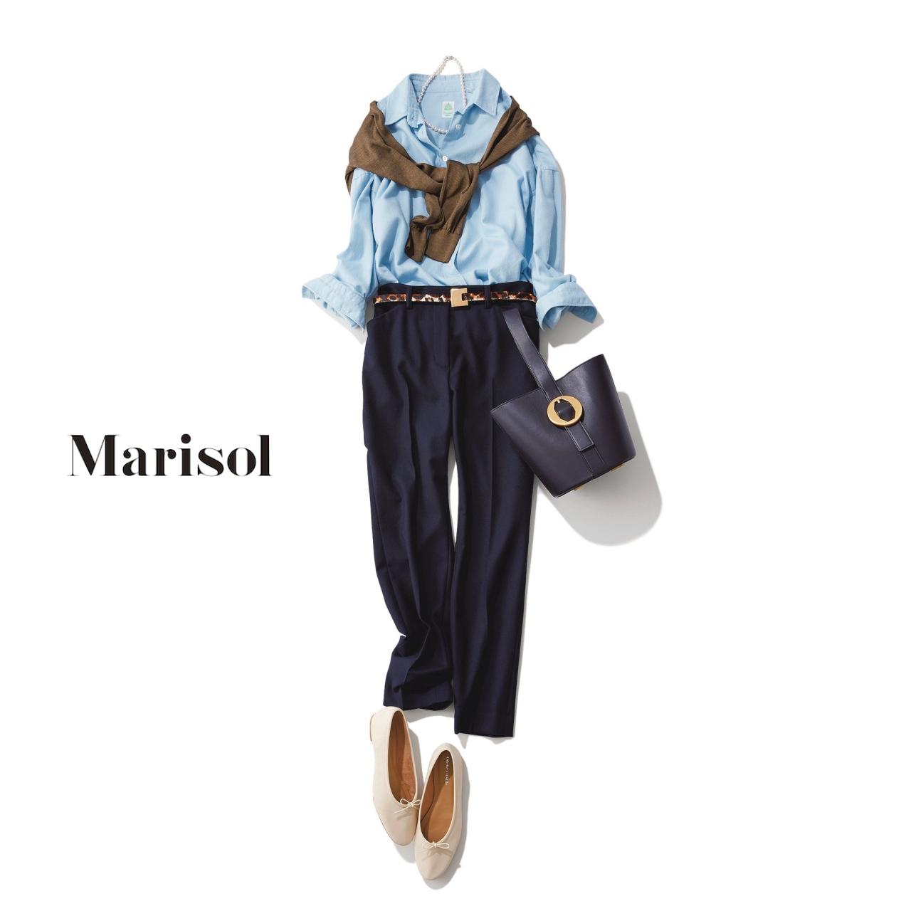 40代ファッション ブルーシャツ×ネイビーパンツコーデ
